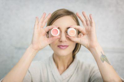 Ingrediënten cosmetica lezen om gezond te smeren